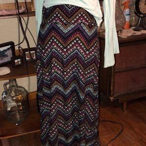 Hot Kiss multi color zig zag print maxi skirt L/XL